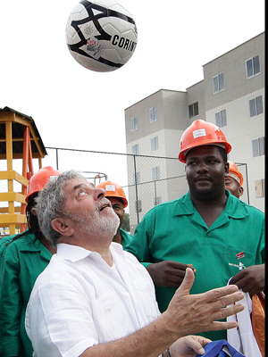Presidente Lula durante cerimônia de inauguração de moradias e anúncio dos resultados nacionais do programa Minha Casa, Minha Vida
