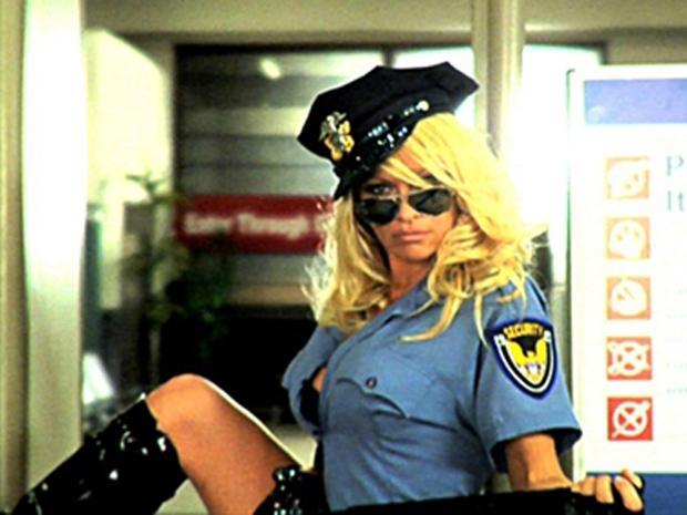 A atriz Pamela Anderson no vídeo da Peta.