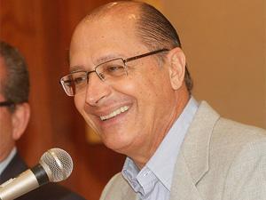 Alckmin durante o último anúncio, nesta quinta-feira (30)