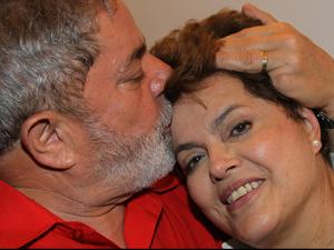 Presidente Lula recebe a presidente eleita, Dilma Rousseff, no Palácio da Alvorada , na noite que Dilma foi eleita presidente no dia 31 de outubro.