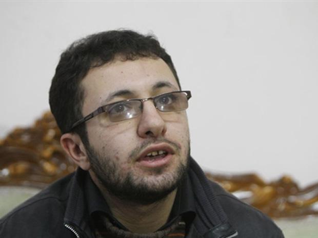 Sajjad Qaderzadeh, filho de Sakineh Mohammadi-Ashtiani, durante entrevista neste sábado (1º) na cidade iraniana de Tabriz.