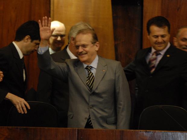 Tarso Genro toma posse como governador do Rio Grande do Sul.
