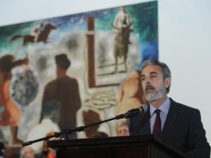 O novo ministro das Relações Exteriores, Antonio de Aguiar Patriota, durante transmissão de cargo no Palácio Itamaraty