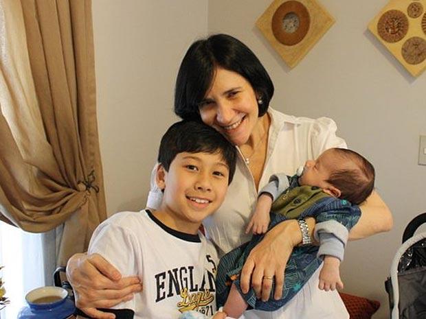 Rosemeire e seus filhos