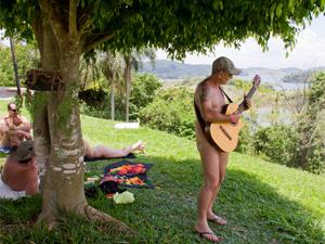O empresário e músico Reinaldo Occhutto, 47, é 'figurinha carimbada' nos eventos naturistas
