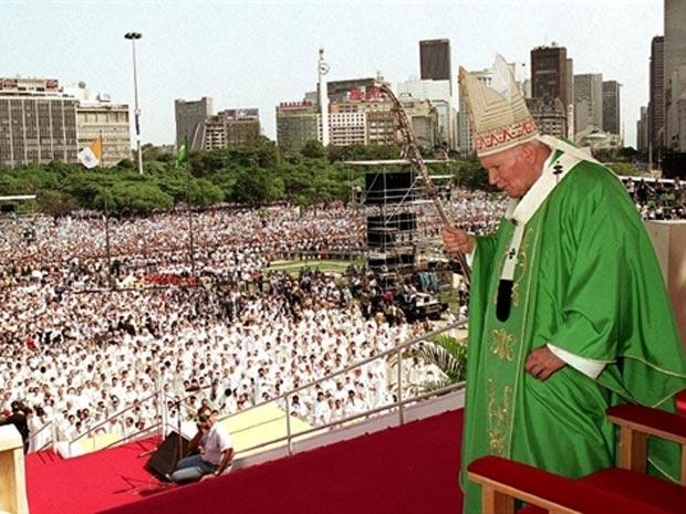 O papa João Paulo II durante visita ao Rio, em 1997