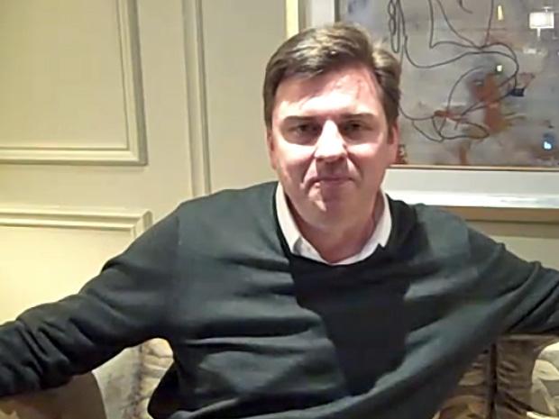 Presidente-executivo do Skype, Tony Bates, anuncia a compra do Qik.