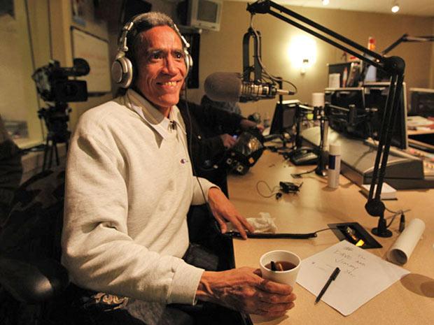 Williams desfruta da fama em entrevista para rádio local