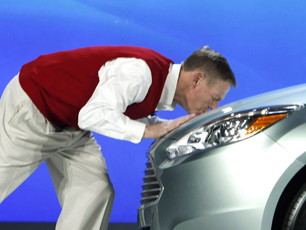 Resultado de imagem para beijar um carro