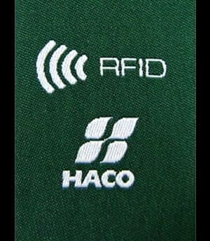 Etiqueta tecida possui RFID.
