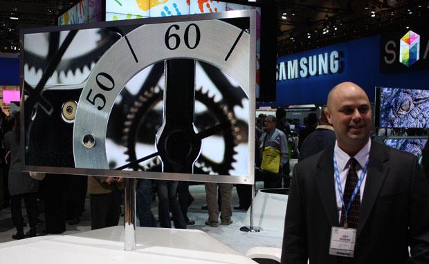 TV da Samsung tem 75 polegadas e exibe imagens em Full HD e em 3D.