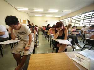 Estudantes fazem prova da segunda fase da Fuvest (Foto: Mateus Mondini/G1)