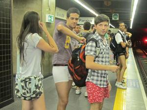 Pela primeira vez no evento, Laís, Thales e Bruno criaram coragem para tirar as calças