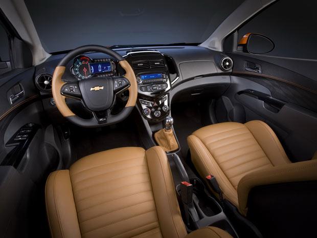 Conceito Chevrolet Sonic Z-Spec brinca com as cores