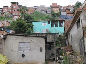 Casa onde as mulheres moram foi atingida