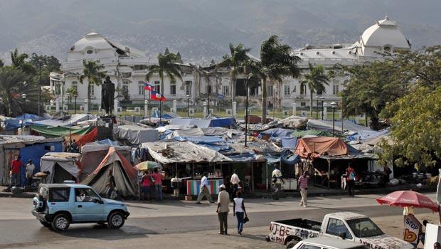 Vista do palácio presidencial na capital do Haiti, Porto Príncipe