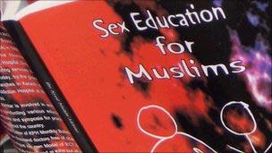 Livro sobre sexo causou polêmica ao usar frases do Alcorão.