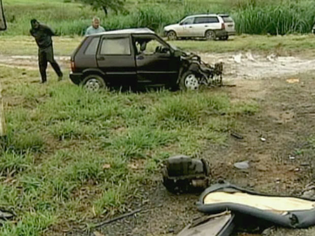 Uno e caminhão se envolvem em batida que mata o motorista do carro