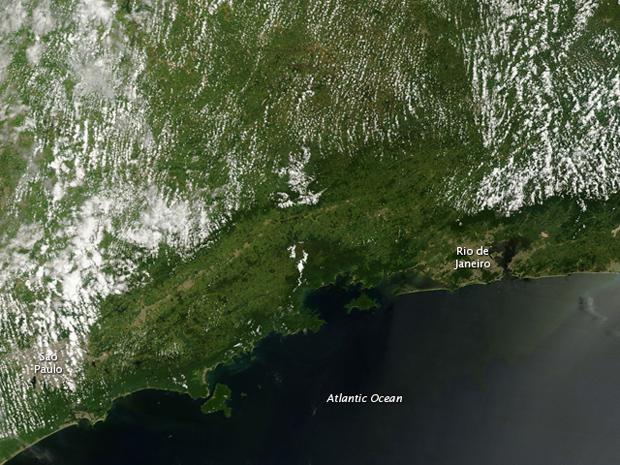 Fotos de satélite da Nasa mostra nuvens sobre o Sudeste do Brasil em 9 de janeiro...