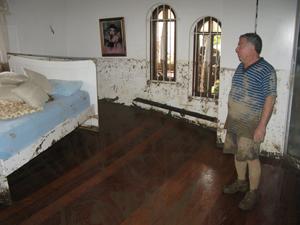 A tromba d´água invadiu as casas da família Machado por volta das 3h da madrugada