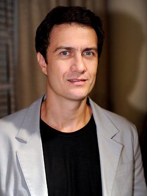 O ator Gabriel Braga Nunes, que interpreta o vilão Léo Brandão