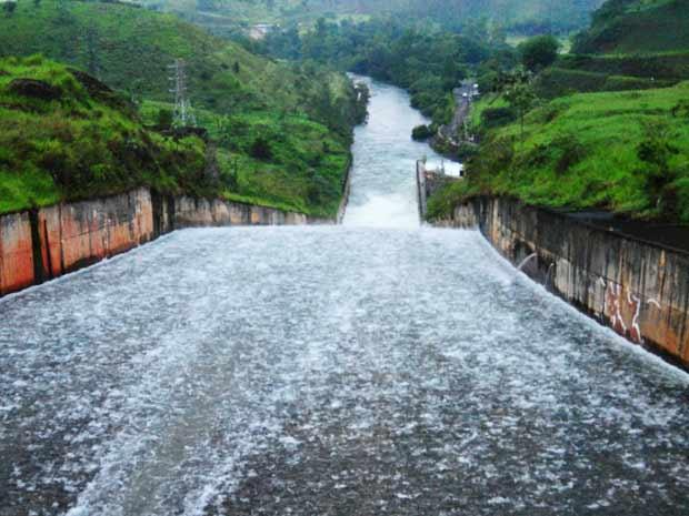 Represa Jaguariúna teve vazão aumentada neste sábado