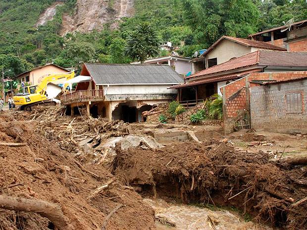 Em Teresópolis, morreram 238 pessoas, segundo a prefeitura e o Corpo de Bombeiros.
