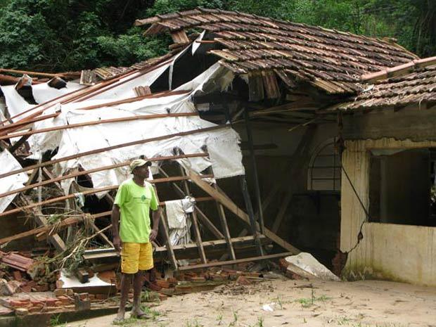 Sítio de Tom Jobim  foi destruído pelas chuvas que atingiram a região - Foto: Aluizio Freire/G1
