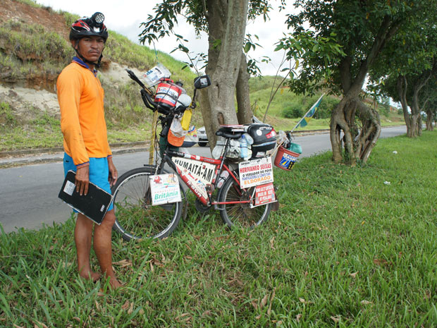 Ciclista pedala 8 meses (Foto: Glauco Araújo/G1)