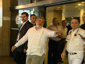 Lula esteve uma hora e meia com Alencar no hospital