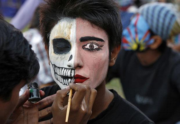 Well-known G1 - Cidade na Índia realiza competição de pintura facial  VB25