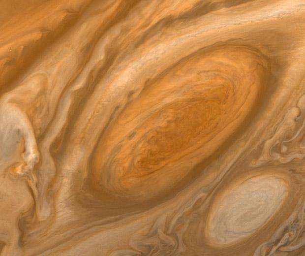 Tempestade na superfície de Júpiter feita de distância de mais de 2,6 milhões de quilômetros