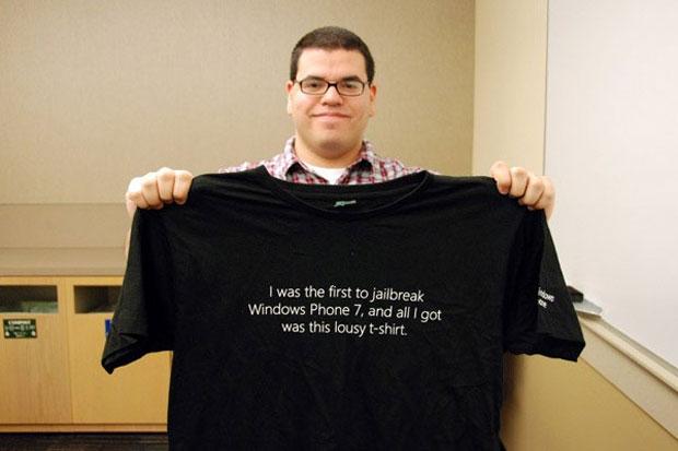 Hackers que desbloquearam o Windows Phone 7 foram convidados para a sede da Microsoft e ganharam camisetas