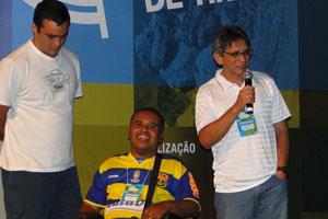 Cavi Borges, produtor de 'Enchete'; e os diretores Julio Pecly e Paulo Silva.
