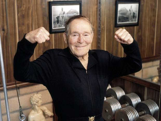 O 'guru do fitness' Jack LaLanne ajudou a popularizar os exercícios físicos