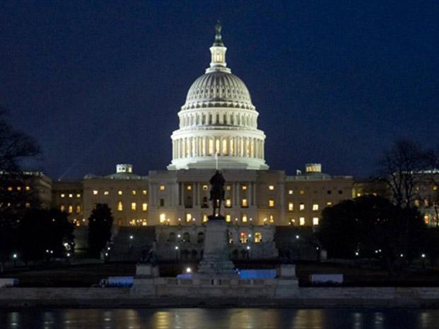 Edifício do Capitólio nos EUA, palco das sessões parlamentares, horas antes da chegada de Barack Obama para o pronuciamento oficial sobre o estado da União.