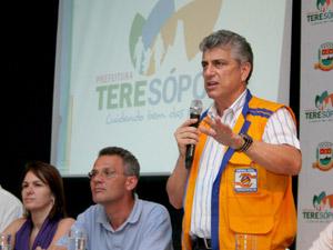 Prefeito de Teresópolis Jorge Mário