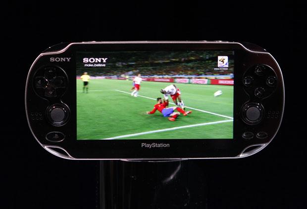 NGP também roda vídeos em alta definição em sua tela de OLED de 5 polegadas