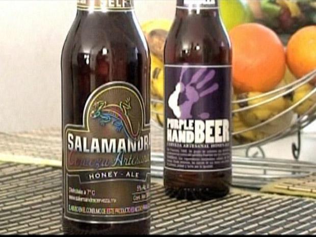 Cervejas 'Salamandra' e 'Purple Hand' são destinadas à comunidade gay e lésbica do México.