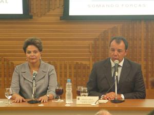 A presidente Dilma e o governador do Rio de Janeiro, Sérgio Cabral, nesta quinta (27) no Rio de Janeiro.