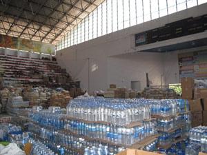 Voluntários estão atentos para evitar o desvio de donativos