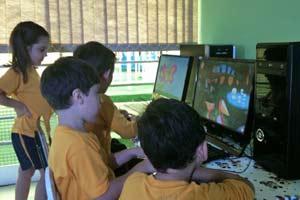 Alunos de creche aprendem com jogos educativos (Foto: Bibiana Dionísio/ G1)