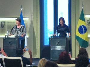 As presidentes Dilma Rousseff e Cristina Kirchener durante declaração conjunta na Argentina