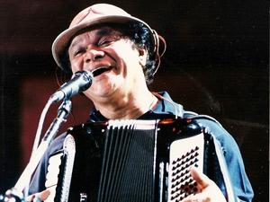 O cantor Dominguinhos