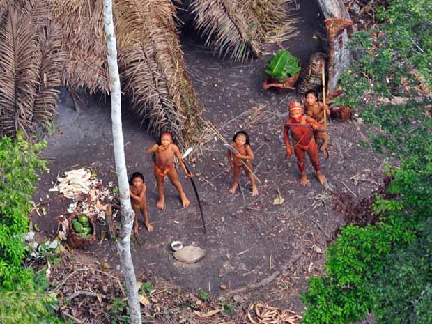 índios isolados