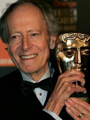 John Barry recebe o Bafta em 2005