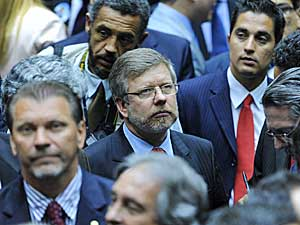 O deputado Marco Maia (PT-RS) no plenário (ao centro) durante votação para a escolha do presidente da Câmara