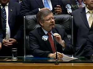 O deputado Marco Maia (PT-RS) preside sessão da Câmara após ser reeleito para o cargo