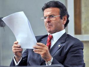 Luiz Fux, indicado para ministro do STF, em novembro, durante reunião da Comissão de Reforma do Código de Processo Civil (Foto: José Cruz / Agência Brasil)