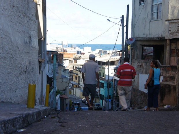Bairro Nordeste de Amaralina, em Salvador, vai receber uma 'UPP baiana' até o fim de 2011 (Foto: Glauco Araújo/G1)